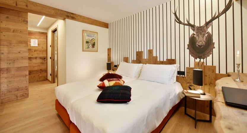 Italy_Cervinia_Hotel-Serenella_Bedroom.JPG