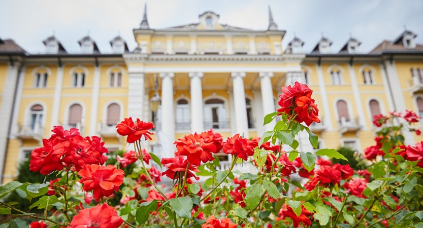 Grand-Hotel-Imperial,-Lake-Levico,-Italy-Exterior-flowers.jpg