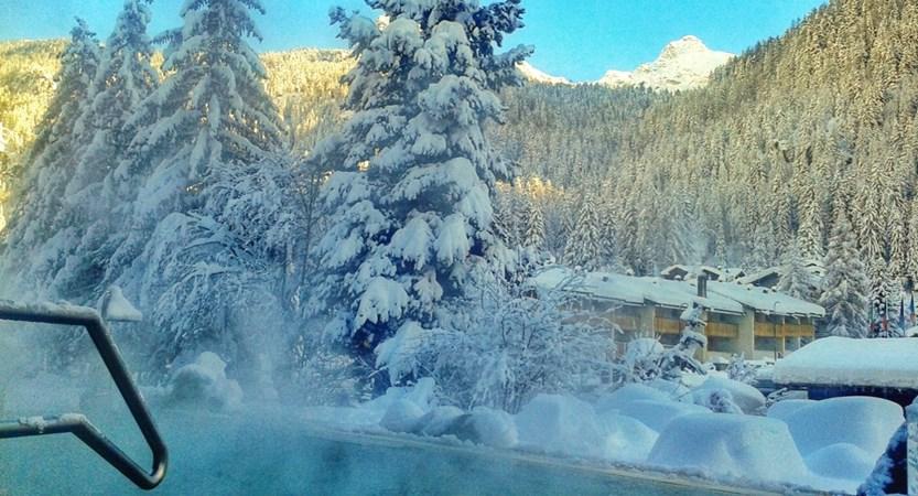 Italy_champoluc_hotel_relais-des-glacier_pool.jpg
