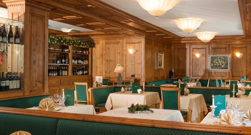 Italy_champoluc_hotel_relais-des-glacier_restaurant.jpg