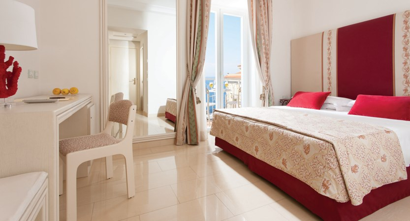 Hotel Corallo Sorrento - Superior room - Sea frontal View - Bedroom 2.jpg
