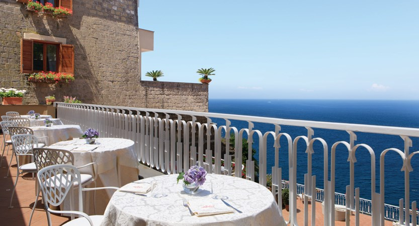 Hotel Corallo Sorrento - Terrace restaurant.jpg