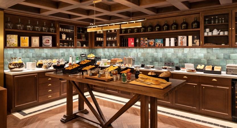09. ST-ALBAN - Buffet petit déjeuner.jpg