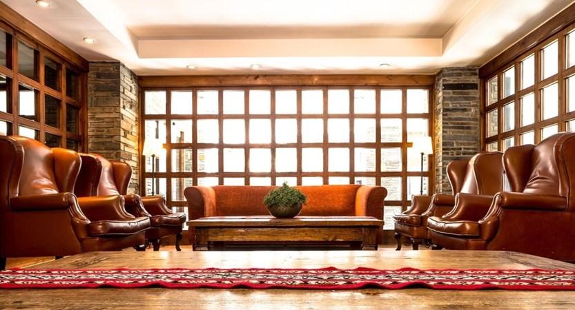 Himalaia Apartment Lobby.jpg