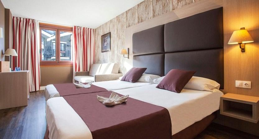 Himalaia Apartment Bedroom.jpg