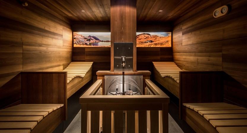 Italy_San-cassiano_hotel_diamant_sauna.jpg