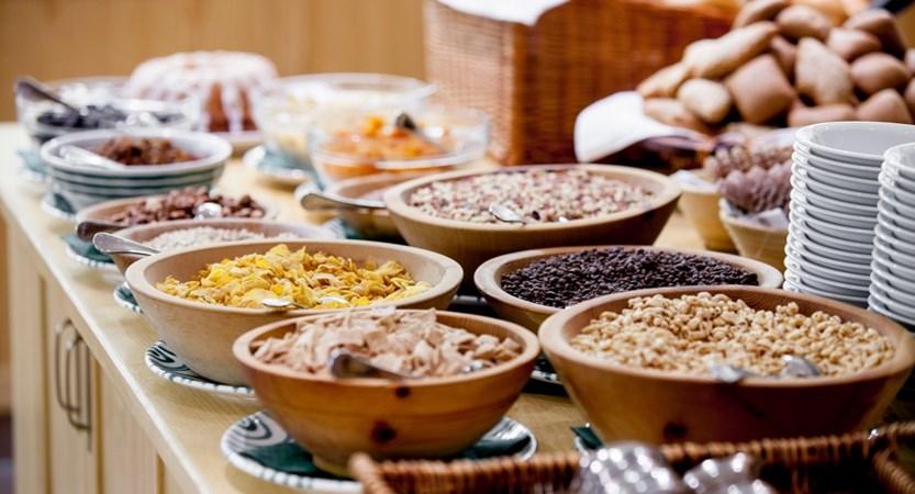 Austria_Oberau_Hotel-tilerhof_!breakfast buffet