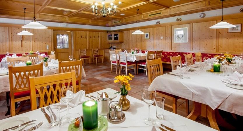 Austria_Oberau_Hotel-tilerhof_Restauran.jpg