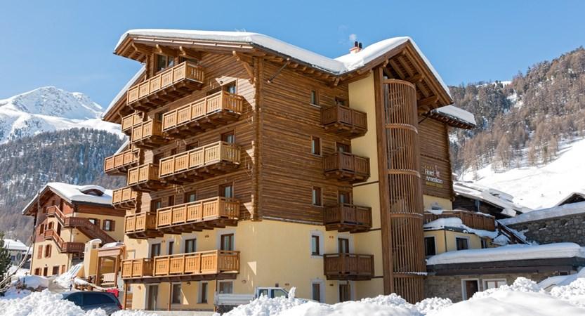 italy_livigno_hotel-amerikan_exterior.jpg
