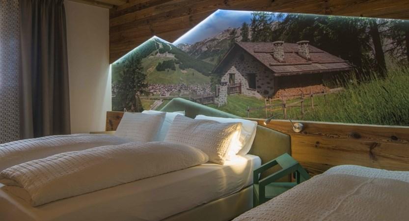 italy_livigno_hotel-amerikan_superior-room2.jpg