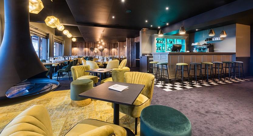 CF7 I Restaurant bar.jpg