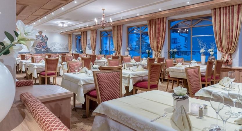 Austria_Obergurgl_Hotel-Alpenland_Restaurant2
