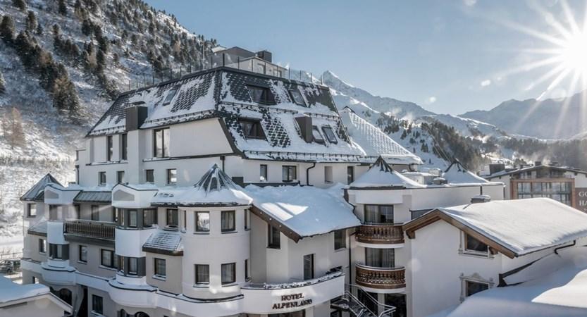 Austria_Obergurgl_Hotel-Alpenland_Exterior Winter Close