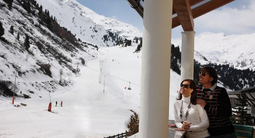 Austria_Obergurgl_Hotel-Alpenland_hotel views of slopes