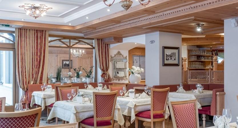 Austria_Obergurgl_Hotel-Alpenland_dining (1)