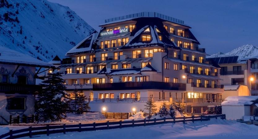 Austria_Obergurgl_Hotel-Alpenland_winter exterior night