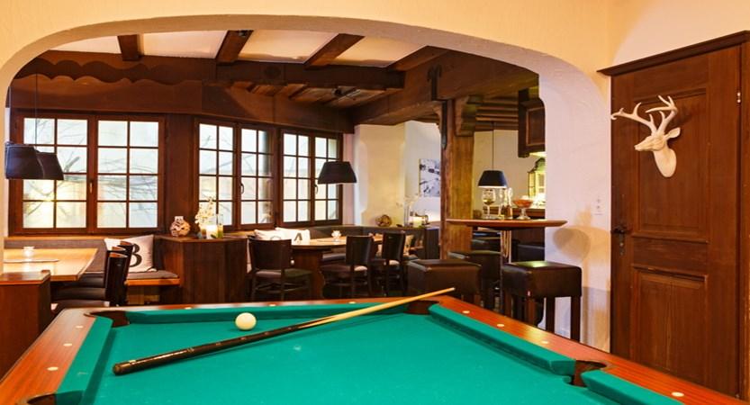 Hotel Sport Klosters Bar 02.JPG