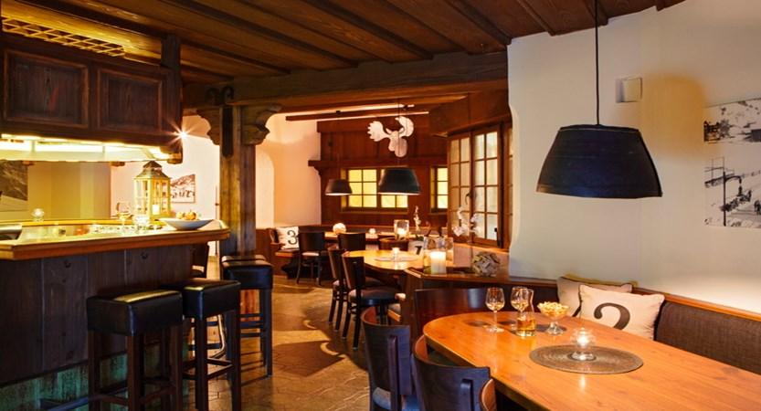 Hotel Sport Klosters Bar 01.JPG