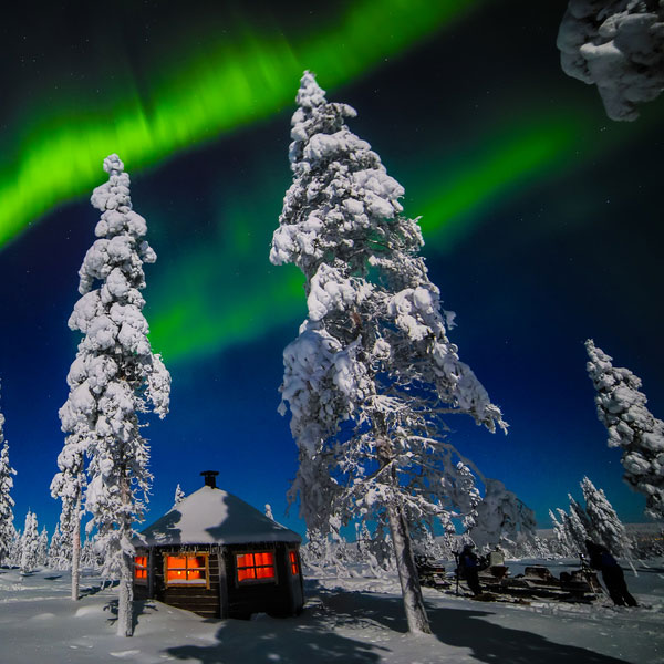 /media/13073081/northern-lights-adventure-weeks.jpg