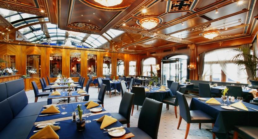 Restaurant Lusi Interior.jpg