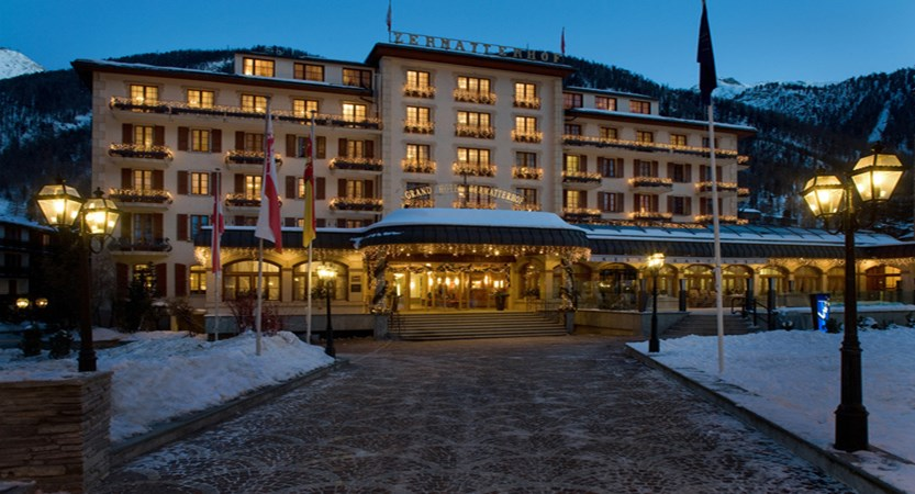 Grand Hotel Zermatterhof Winter 1.jpg