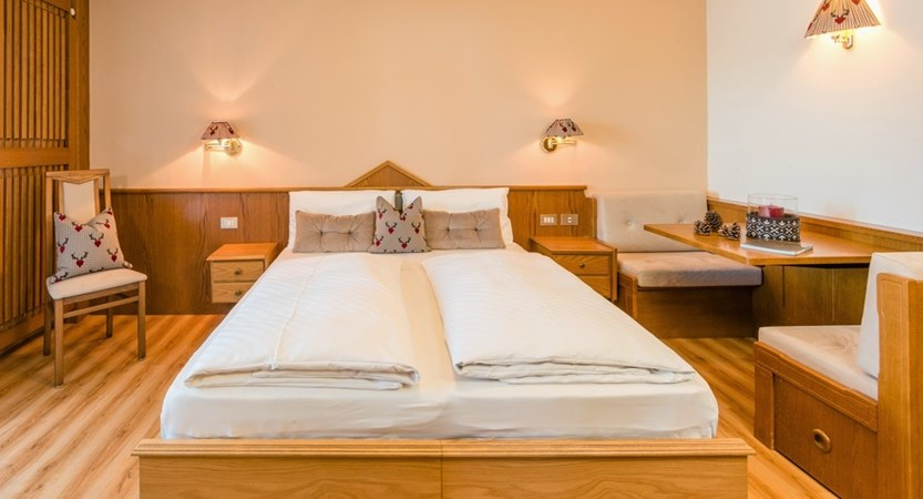 italy_dolomites_selva_hotel-linder_comfort_room.jpg