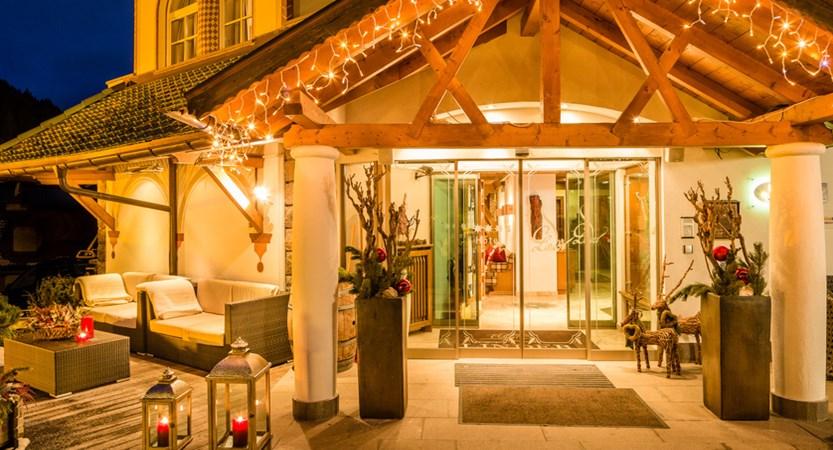 italy_dolomites_selva_hotel-linder_entrance.jpg