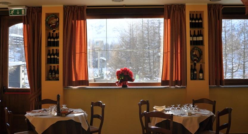 Italy_Cervinia_hotel_Astoria_restaurant.JPG