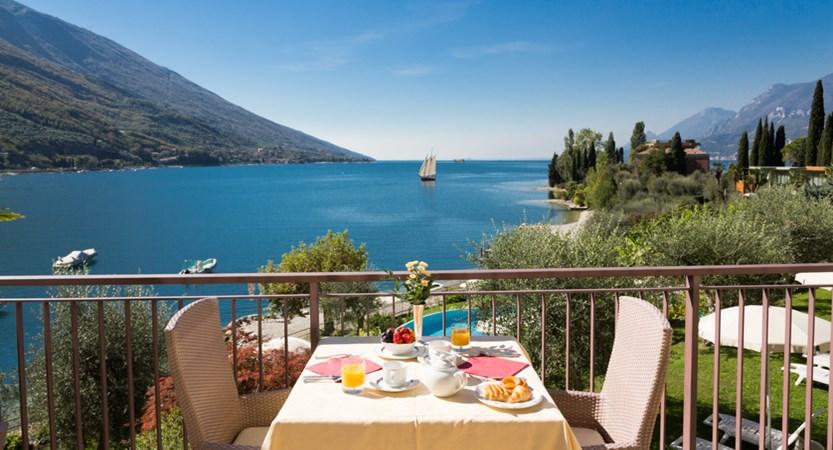 Hotel Maximilian_Malcesine_breakfast.jpg