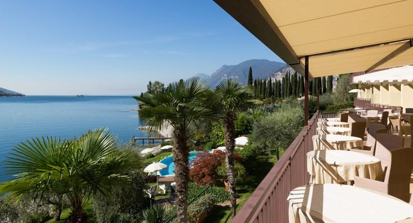 Hotel Maximilian_Malcesine_dining_room_views.jpg