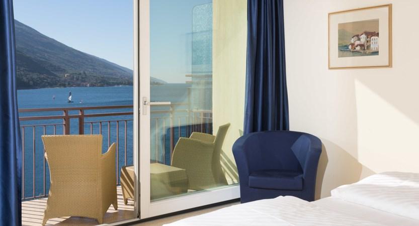 Hotel Maximilian_Malcesine_lake_view_balcony.jpg