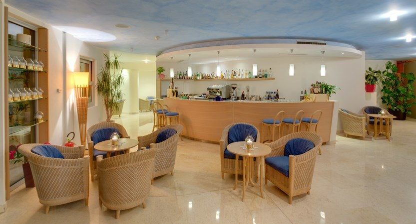Hotel Maximilian_Malcesine_lounge.jpg