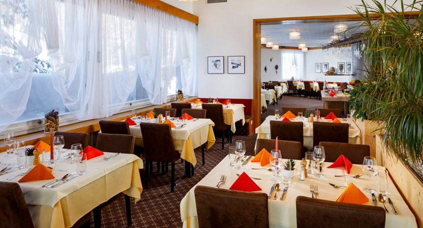 Hotel_Sport_Klosters_Panoramasaal_2019_HB restaurant.jpg