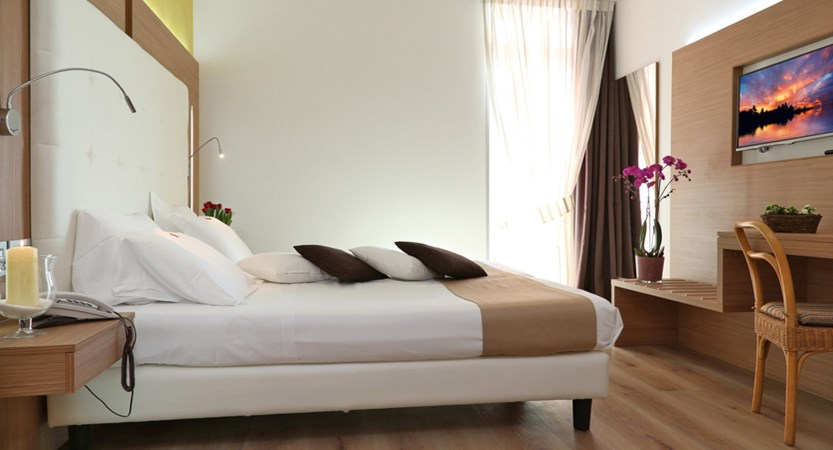 Hotel Kriss Internazionale, Bardolino, Lake Garda, Italy - Superior.jpg.jpg