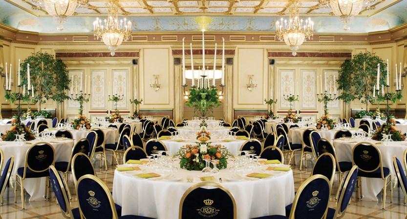 Hotel Regina Palace, Stresa, Lake Maggiore, Italy - Dining room.jpg