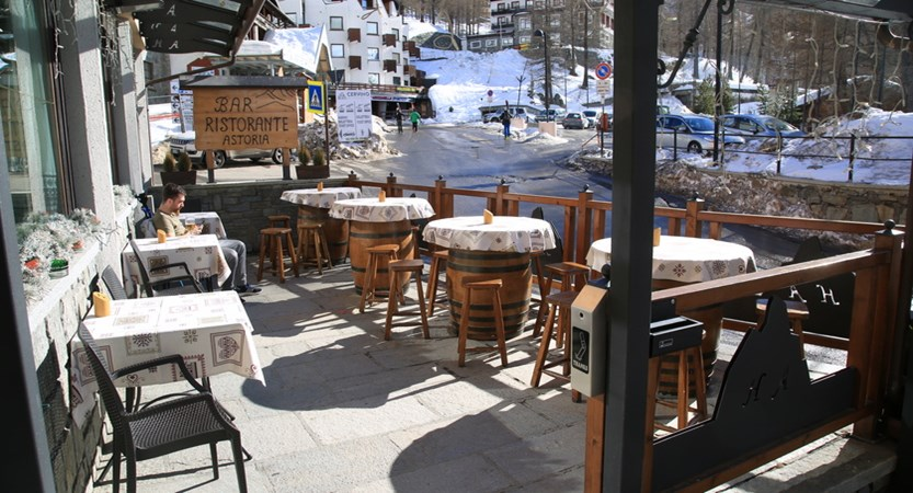 Italy_Cervinia_hotel_Astoria_Terrace.JPG