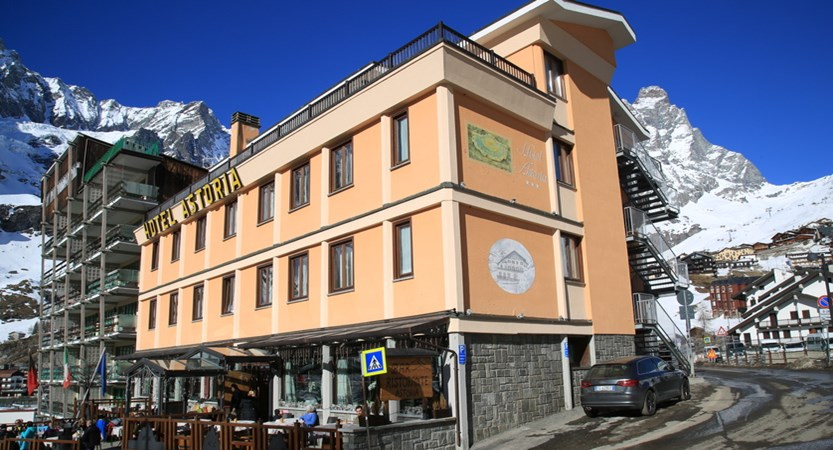 Italy_Cervinia_hotel_Astoria_Exterior.JPG