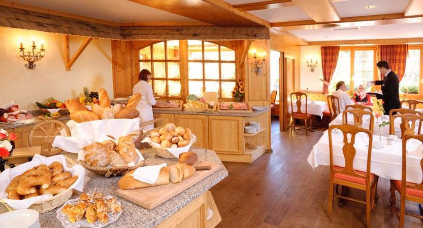 CHKL Silvretta park Klosters breakfast.jpg