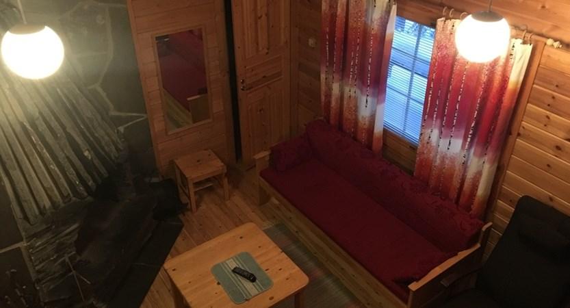 Finland_Lapland_Levi_Immelmokit-Cabins_Lounge.jpg