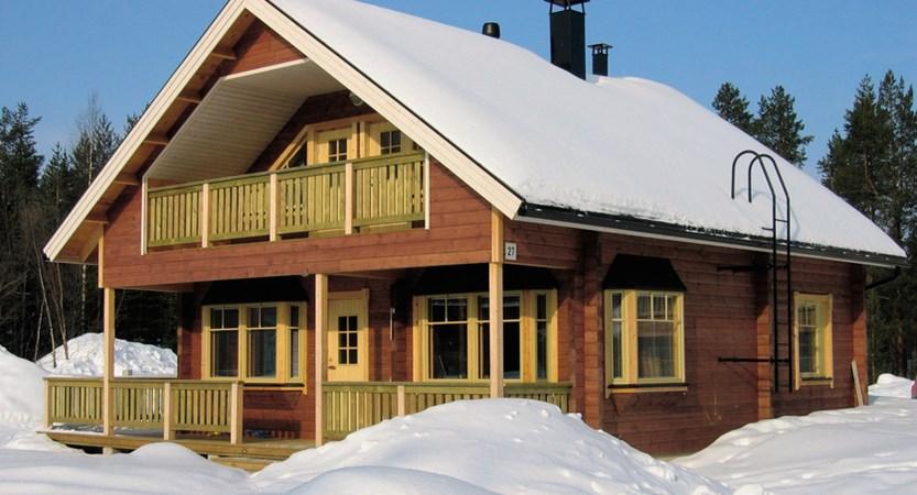 Finland_Lapland_Levi_Immelmokit-Cabins_exterior2.jpg