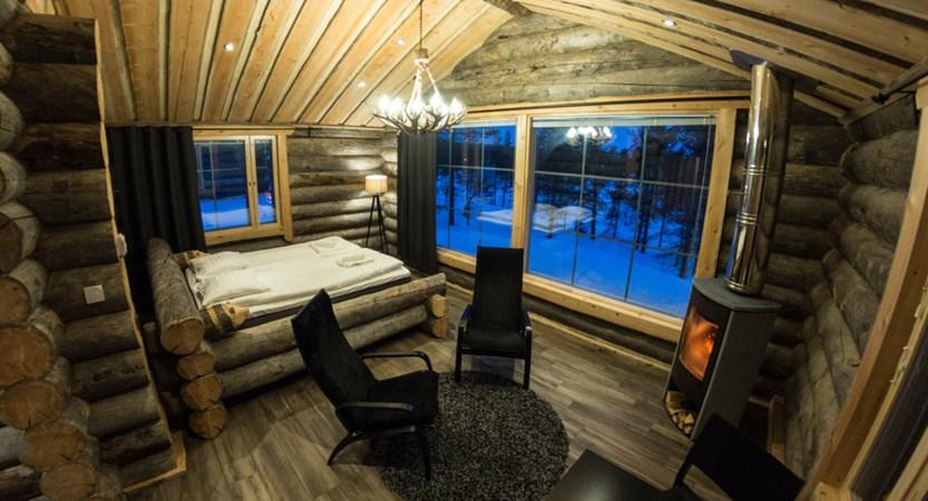 Finland_Saariselka_Muotka-Wilderness-Lodge_Panorama-log-cabin_interior.jpg