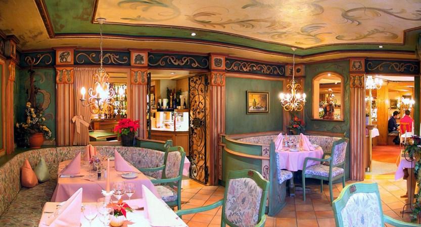 Restaurants 015.jpg