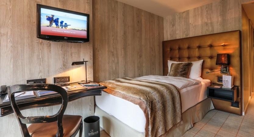 CHDV113 Hotel Grischa Single room.jpg