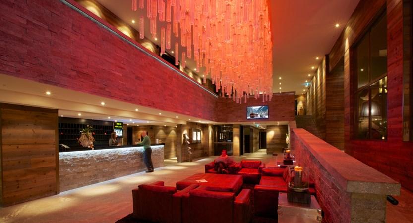 CHDV Hotel Grischa reception.jpg
