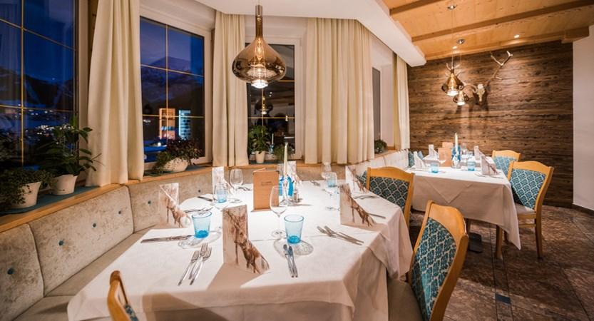 italy_dolomites_selva_hotel_rodella_restaurant.jpg