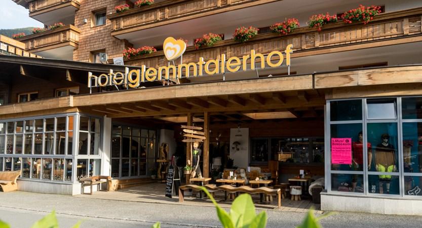 Glemmtalerhof (c) Carolin Thiersch-Hoteleingang2.jpg