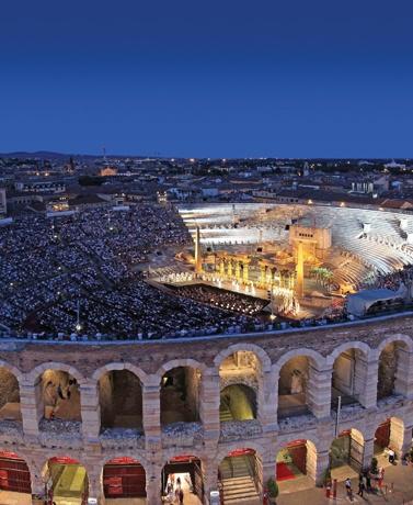 verona-opera-showcase.jpg