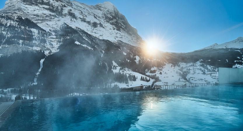 Infinitypool am Nachmittag Wellness Hotel Spinne Grindelwald.jpg