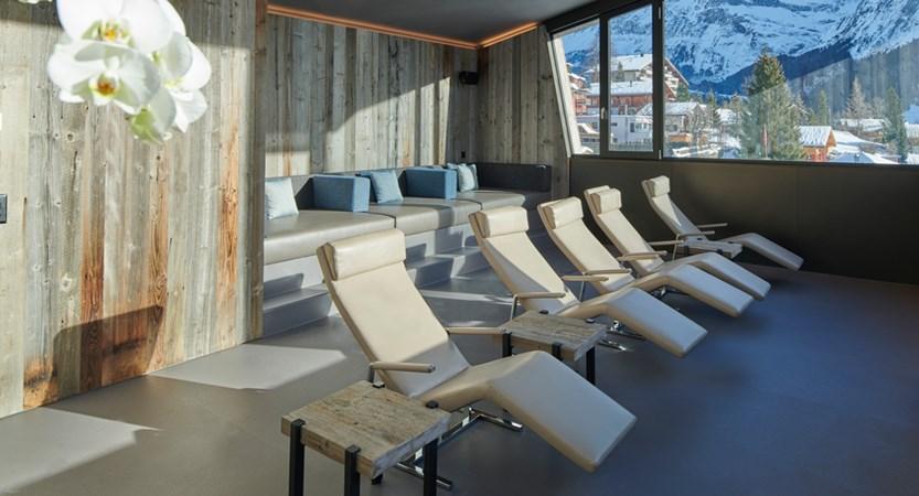 Infinitypool Ruheraum Wellness Hotel Spinne Grindelwald.jpg
