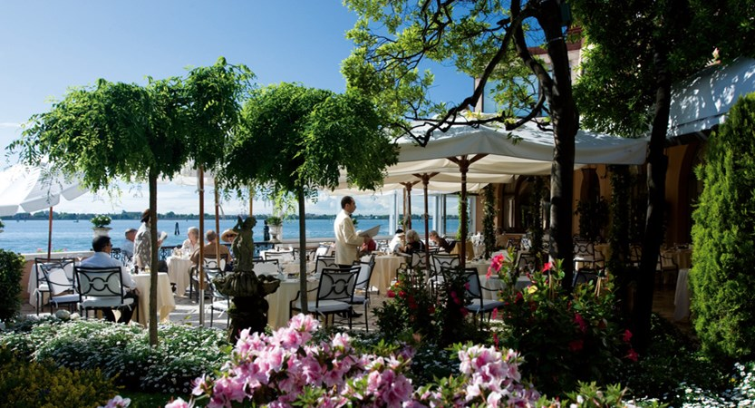 The terrace of the Fortuny Restaurant with its wonderful view on the open lagoon.jpg